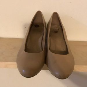Aerosoles tan color 2 in. size 11 heels, worn once
